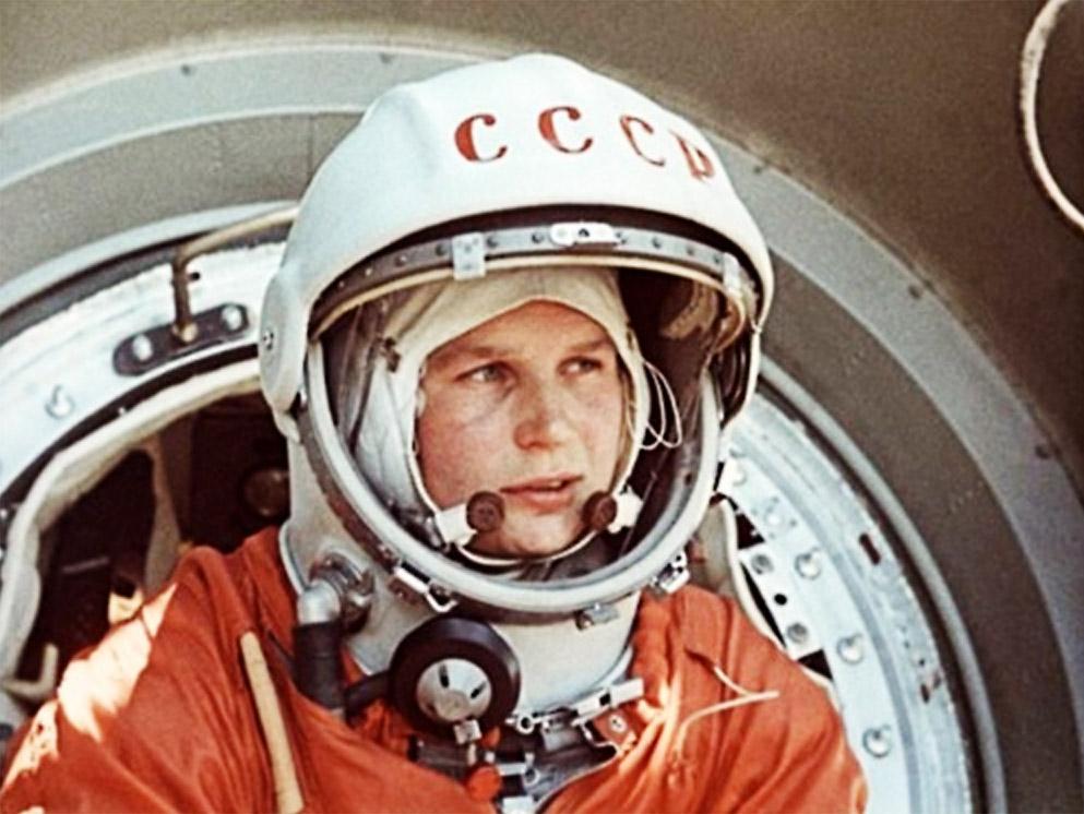 http://fly.historicwings.com/wp-content/uploads/2012/06/HighFlight-ValentinaTereshkova42.jpg