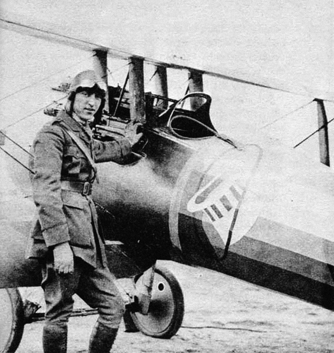 "an analysis of eddie rickenbacker americas top ace of wwi Rickenbacker became america's top fighter pilot during world war i and earned the title as america's ""ace of aces""  eddie rickenbacker america's ace of ."