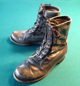 USAF standard issue flight boots from 1967-1968, after the end of the Hans Probst Measureboot era -- note the addition of a front zipper for faster donning.
