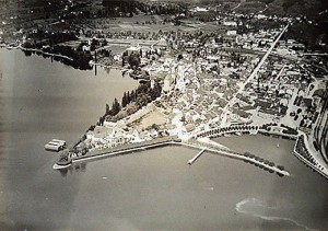 The first aerial photograph of Rapperswil, taken by Walter Mittelholzer in 1919, just six to eight months after the aircraft of Kest 5 arrived.